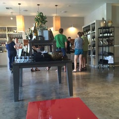Photo taken at La Crema Tasting Room by Hillary C. on 8/30/2014