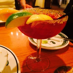 Photo taken at Olive Garden by Taneisha G. on 6/20/2014
