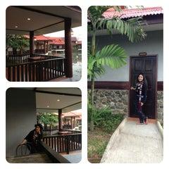 Photo taken at Silamanee Resort & Spa by jOmkwan on 12/8/2013
