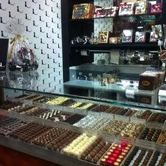 Photo taken at Katz Chocolates by Rosangela S. on 11/14/2012