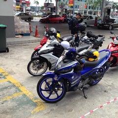 Photo taken at Caltex Taman Sejati by Asyraff on 2/19/2015