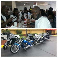 Photo taken at Denny's by Walil A. on 8/2/2014