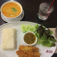 Photo taken at Black Canyon Coffee (แบล็คแคนยอนคอฟฟี่) by petploy s. on 10/13/2015