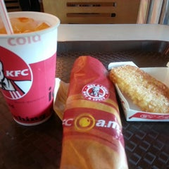 Photo taken at KFC by Iqa S. on 5/10/2014