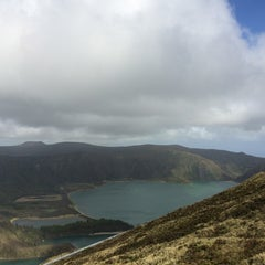 Photo taken at Miradouro da Lagoa do Fogo by Eduardo R. on 3/29/2014
