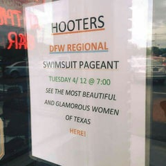 Photo taken at Hooters by Michael T. on 4/13/2016