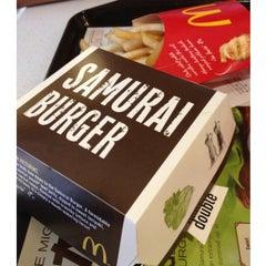 Photo taken at McDonald's / McCafe by Reko H. on 9/23/2012