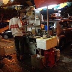Photo taken at Hassan Burger by Reko H. on 11/7/2014