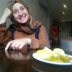 Photo taken at 33 Mersin Tantuni by Sevda A. on 6/15/2015