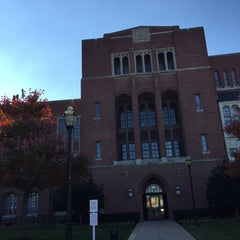 Photo taken at Johns Hopkins University - Eastern by Carol S. on 11/14/2014