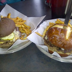 Photo taken at Back Alley Burger by Albert P. on 2/27/2013