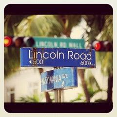 Photo taken at Lincoln Road Mall by Leandro A. on 12/1/2012