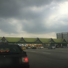 Photo taken at Plaza Tol Batu Tiga by Acha on 2/2/2015