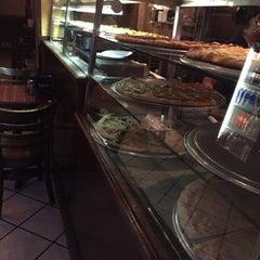 Photo taken at Gaslight Pizzeria by Mandar M. on 1/8/2015