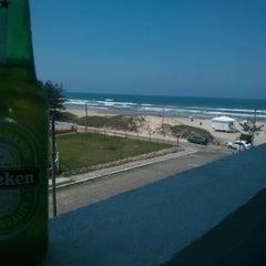 Photo taken at Rainha do Mar by Guilherme P. on 2/11/2014