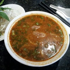 Photo taken at Pho 88 Vietnamese Cuisine by Joel A. on 12/4/2012