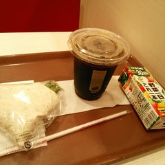 Photo taken at ケンタッキーフライドチキン 青物横丁店 by Hiroshi O. on 9/24/2013