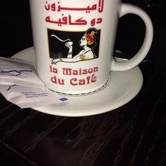 Photo taken at La Maison Du Cafe by Aseel A. on 3/6/2014