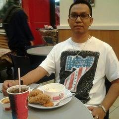 Photo taken at KFC by Long Ngah on 8/8/2013