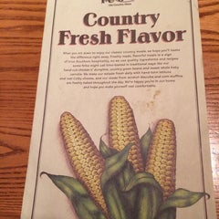 Photo taken at Cracker Barrel Old Country Store by Hallie M. on 10/10/2014