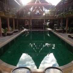 Photo taken at Ruean Thai Hotel Sukhothai by Christian M. on 12/17/2013