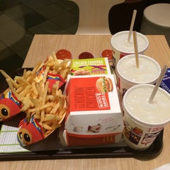 Photo taken at McDonald's by Rocheleee on 6/7/2014