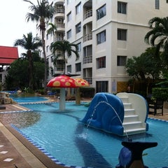 Photo taken at โรงแรม หิน น้ำ ทราย สวย 1 (Hin Nam Sai Suay 1) by BenmoRe T. on 10/23/2014