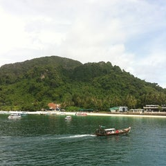 Photo taken at Phi Phi Sand Sea View Resort by Marianna S. on 4/28/2012