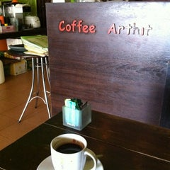 Photo taken at Coffee Arthit by มีความสุขมากมาย แ. on 4/16/2012