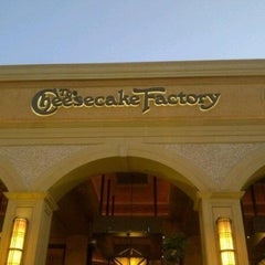 Photo taken at The Cheesecake Factory by Farii on 9/9/2012