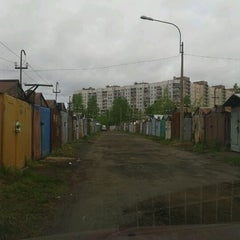 Photo taken at Гаражи by Пискур Е. on 5/18/2012