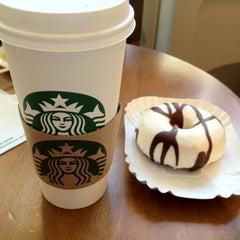 Photo taken at Starbucks by François L. on 6/26/2012