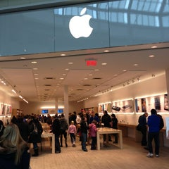 Photo taken at Apple Store, Carrefour Laval by Ludovic E. on 2/15/2013
