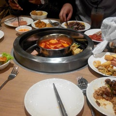 Photo taken at Seoul Garden by Nur Liyana A. on 4/6/2015