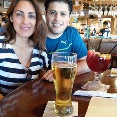 Photo taken at Applebee´s by Victor R. on 1/10/2015