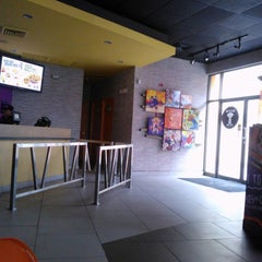 Photo taken at Taco Bell by Carmelo O. on 3/26/2014