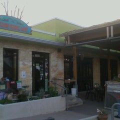Photo taken at Bouldin Creek Café by ShaSha B. on 1/22/2013