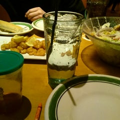 Photo taken at Olive Garden by Ada K. on 3/25/2014