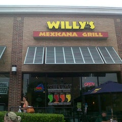 Photo taken at Willy's Mexicana Grill #6 by Olivia on 5/17/2013