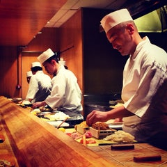 Photo taken at Sushi Yasuda by Claire H. on 10/5/2014
