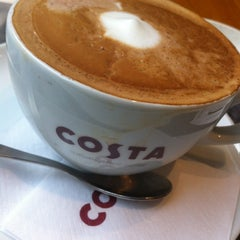 Photo taken at Costa Coffee by Naoko M. on 10/31/2012