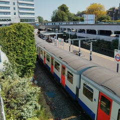 Photo taken at Gunnersbury London Underground and London Overground Station by Eric R. on 6/6/2013