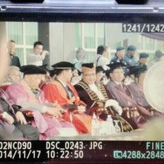 Photo taken at Dewan Bandaraya Kota Kinabalu by Yatchi C. on 11/17/2014