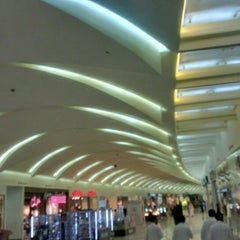 Photo taken at Mall of Dhahran | مجمع الظهران by hamad b. on 3/12/2013
