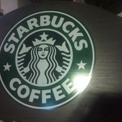 Photo taken at Starbucks by Константин М. on 9/17/2014