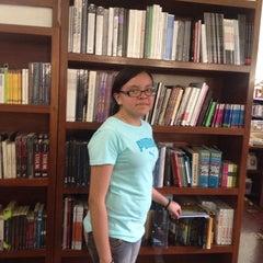 Photo taken at Librería Del Fondo De Cultura Economica by Jose H. on 5/18/2014