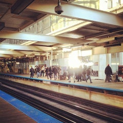 Photo taken at CTA - Merchandise Mart by Adam E. on 4/20/2013