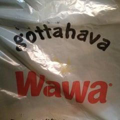 Photo taken at Wawa by MrAaronQuinn N. on 11/16/2012