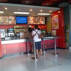 Photo taken at KFC by Hana T. on 6/19/2013