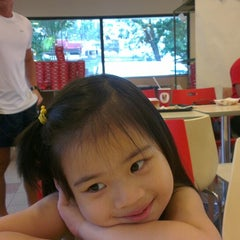 Photo taken at KFC by Goetia S. on 3/30/2014